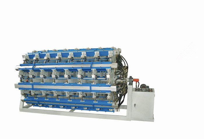 Hollow wooden forming machine